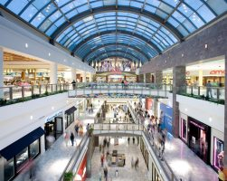 See when Tysons Galleria and their stores are open during the holiday season.